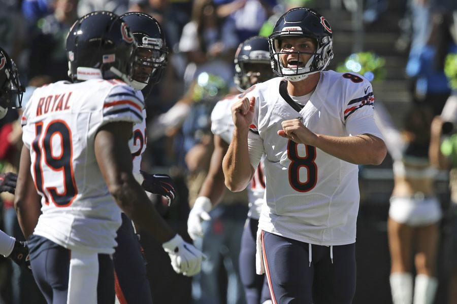 Chicago Bears quarterback Jimmy Clausen (8) during the first half on Sunday, Sept. 27, 2015 at CenturyLink Field in Seattle.